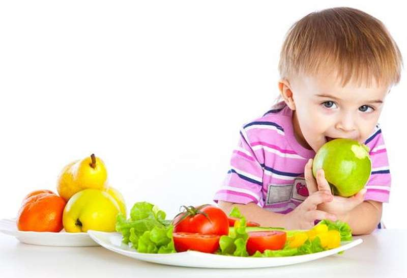 Витамины и вода в раннем детском возрасте (Vitamins and water in early childhood)