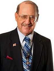 Dr. Joel D. Wallach, Дж. Уоллок