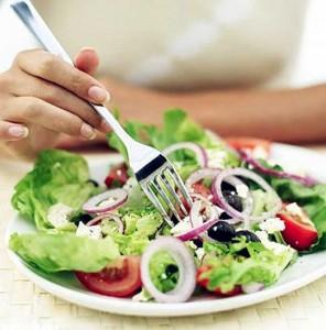 Как избавиться от прыщей правильным питанием
